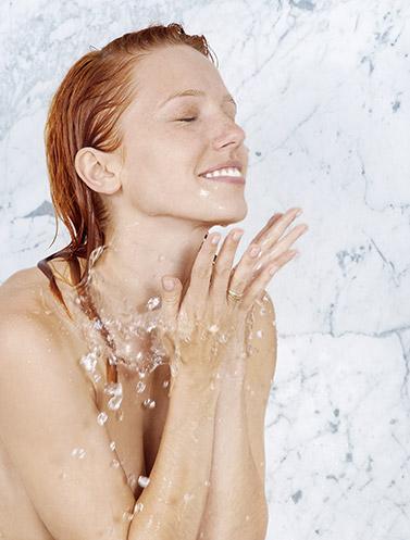 Wasserdampf von Duschen